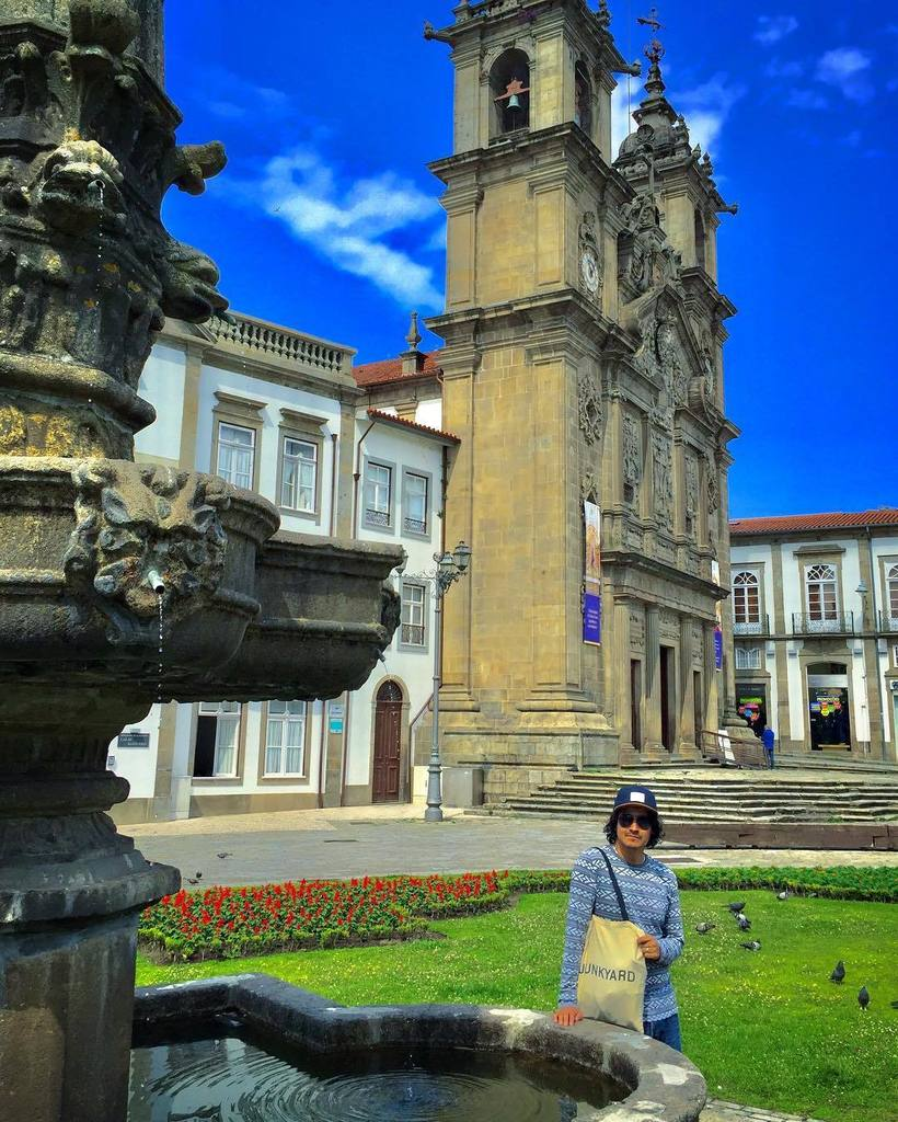 #Perfect #framing of that #handsome #guy #braga #portugal #instaportugal #nicepic #c<br>http://pic.twitter.com/v6CooH14Ik
