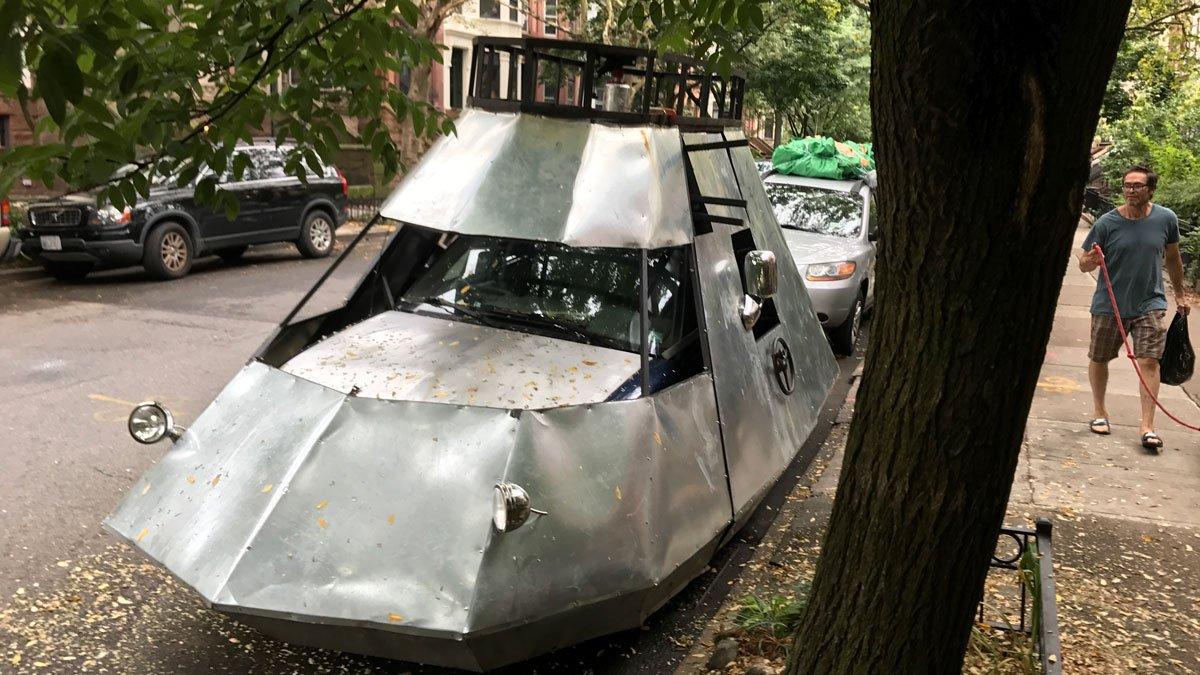 Brooklyn Dad's 'spaceship' has neighbors scratching their heads https://t.co/h0JWOak9kE