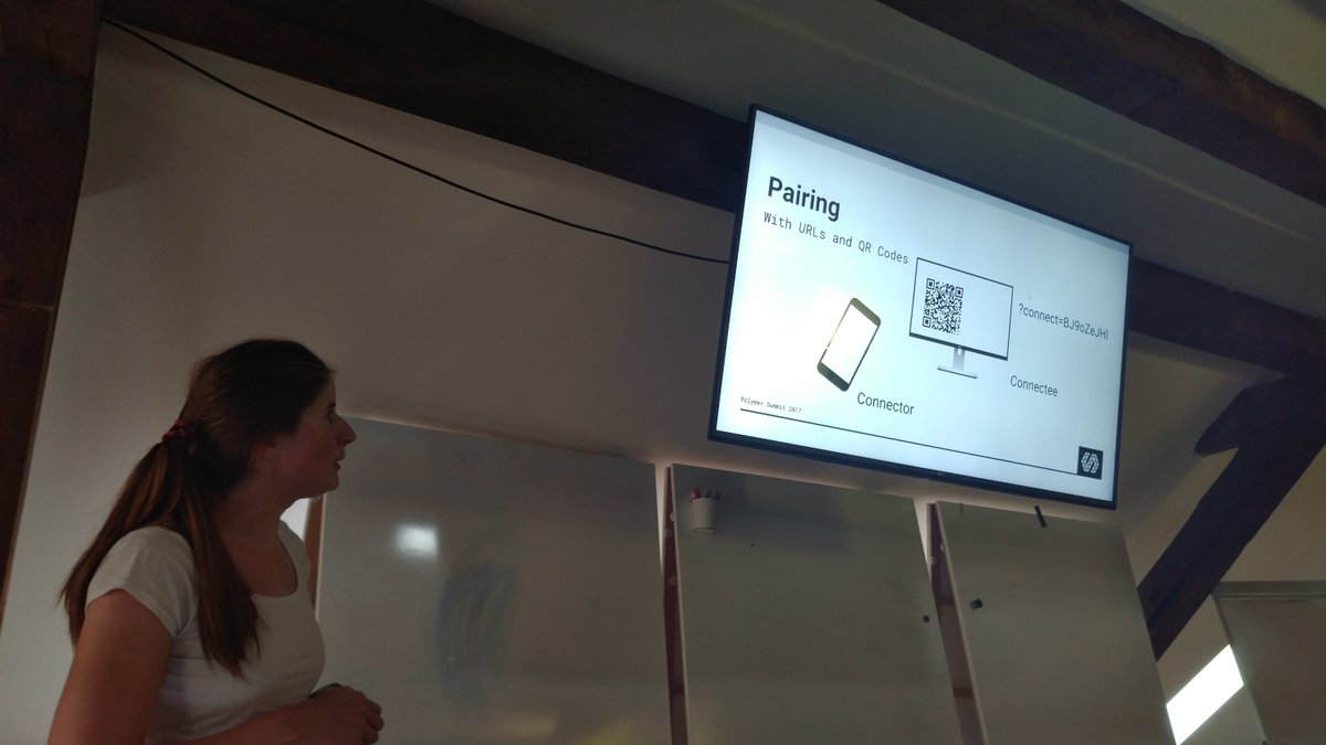 Thanks Maria for sharing her awesome distributed UI library for #polymer #webzurich<br>http://pic.twitter.com/SsD8XUSnUv
