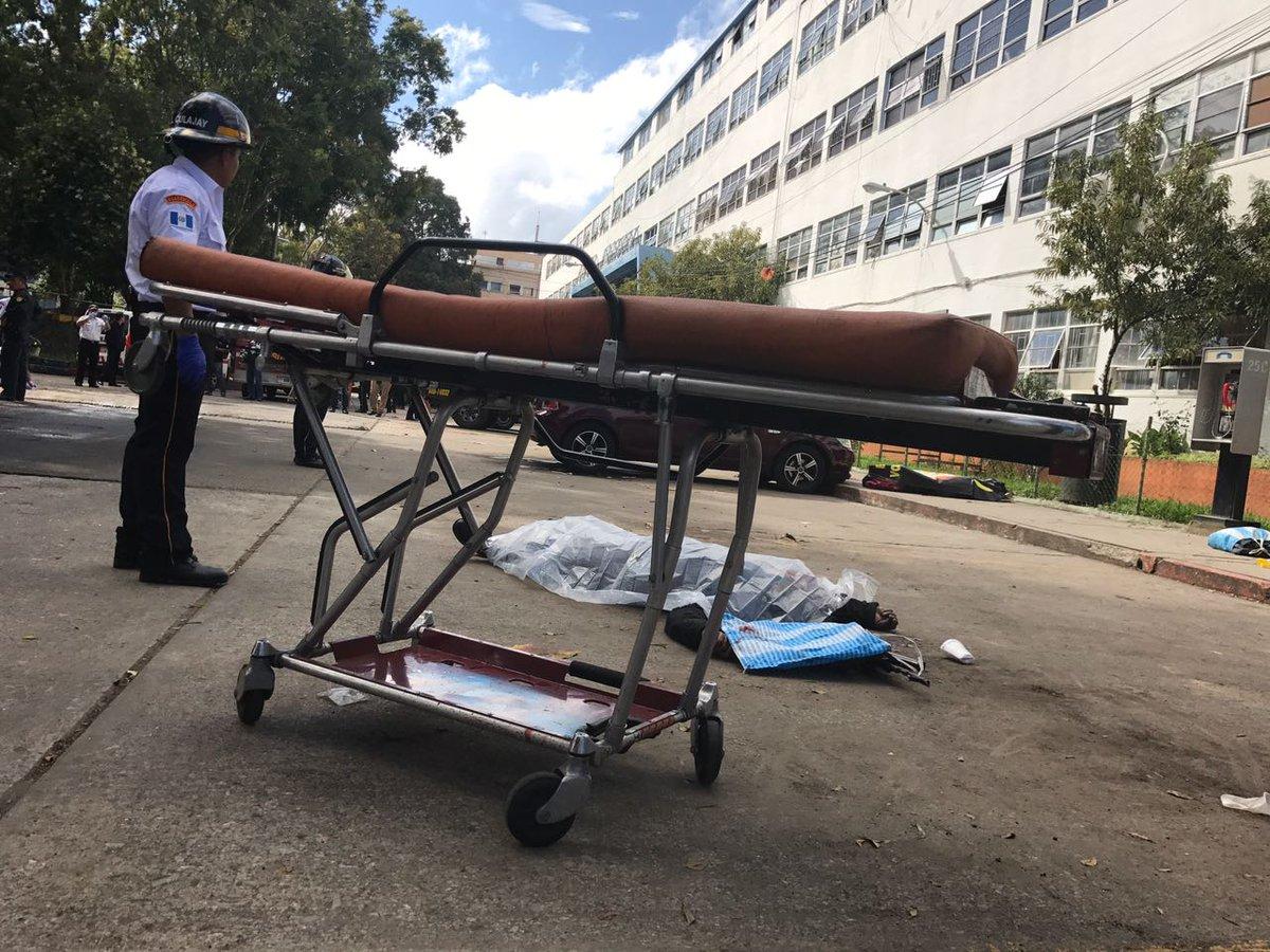 Gobierno repudia tiroteo en Hospital Roosevelt que dejó seis muertos....