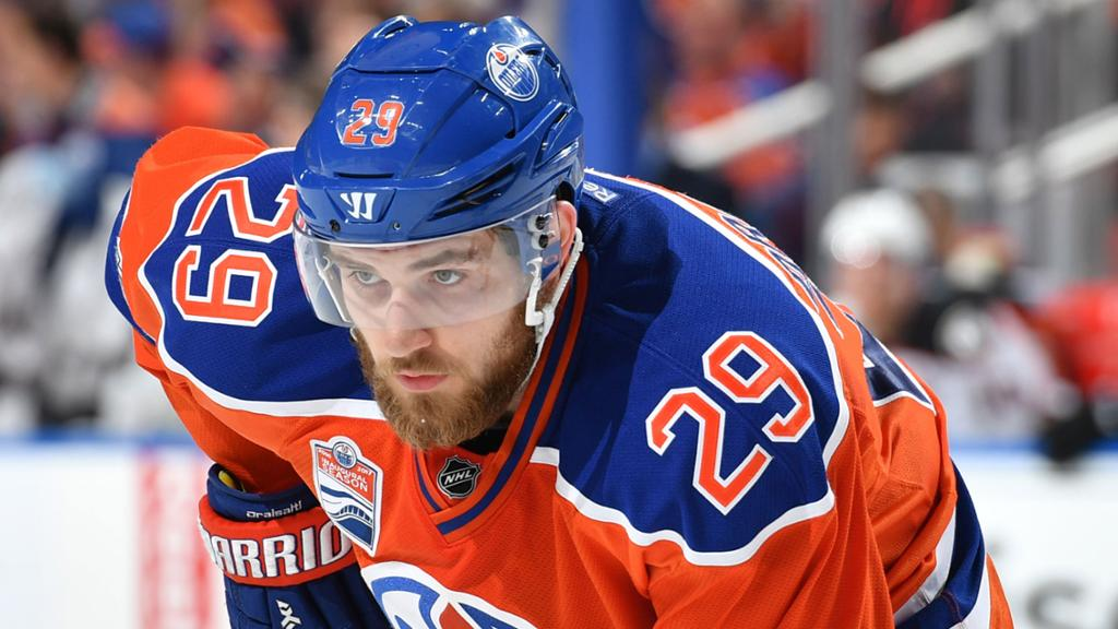 BREAKING: Edmonton Oilers sign C Leon Draisaitl to an eight-year contr...
