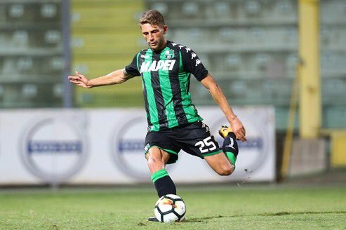 Since #Roma are no longer after Riyad Mahrez of #LCFC, Domenico Berardi of #Sassuolo is now a target <br>http://pic.twitter.com/e9yqPyGNlW