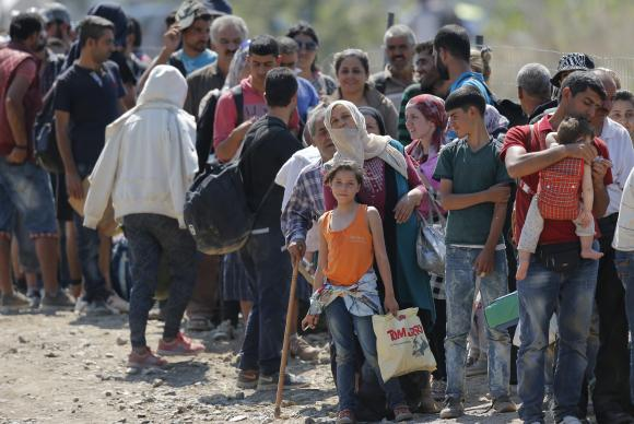 Acnur e ONGs buscam US$ 4,4 bilhões para auxiliar refugiados da Síria. https://t.co/9ymjufwezm 📷 Valdrin Xhemaj/Agência Lusa/Arquivo