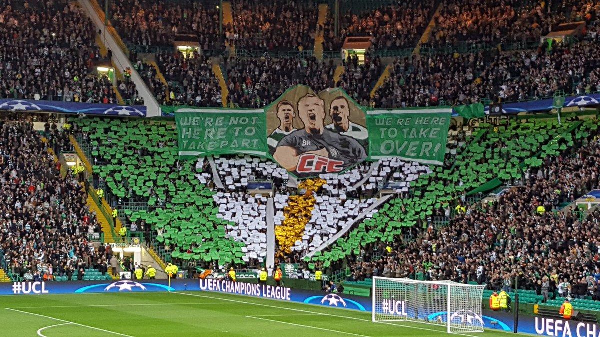 La afición del Celtic le dedicó una  pancarta a Conor McGregor