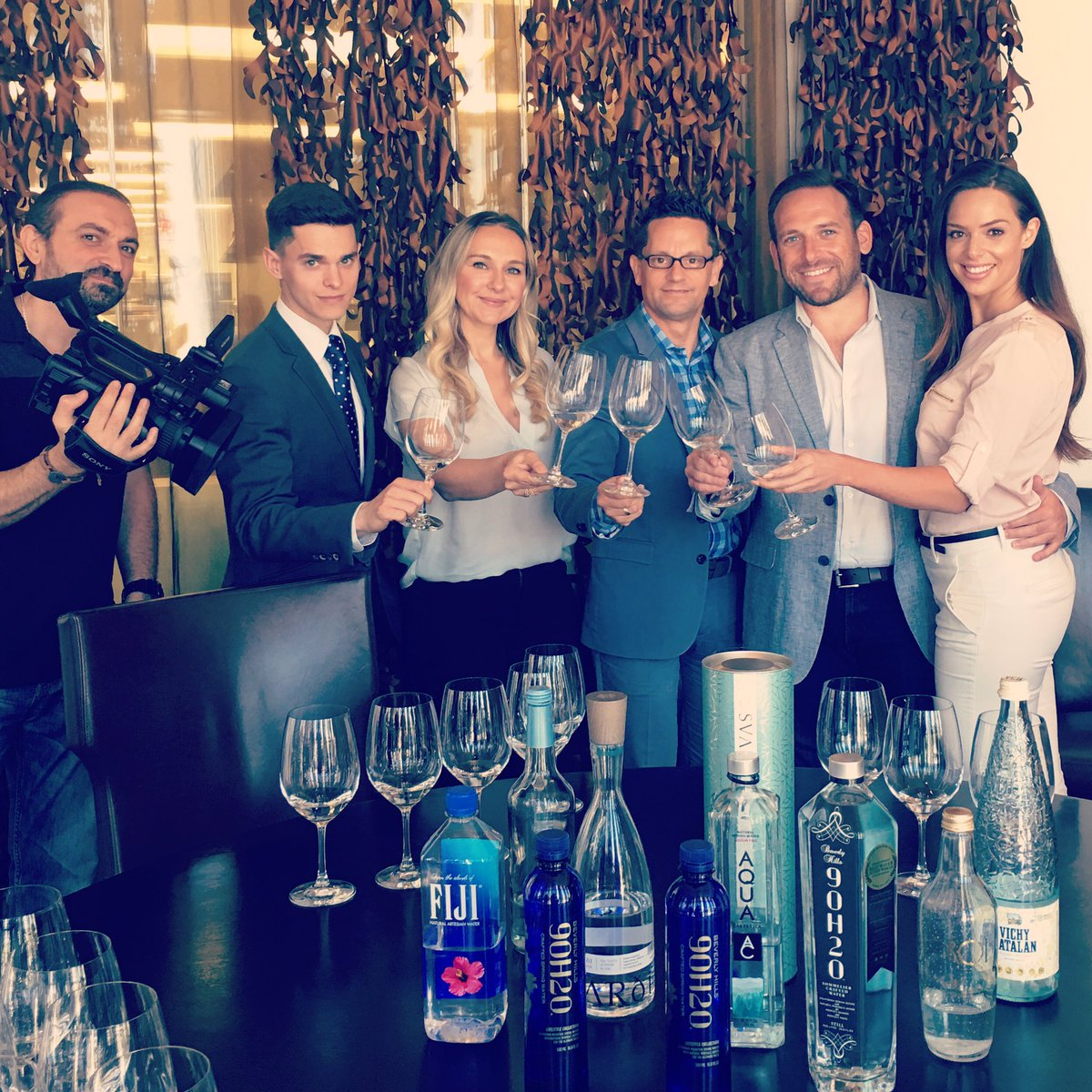 Always fun to do a water tasting. This time for Dubai TV #watersommelier <br>http://pic.twitter.com/Rhng6MZNiM