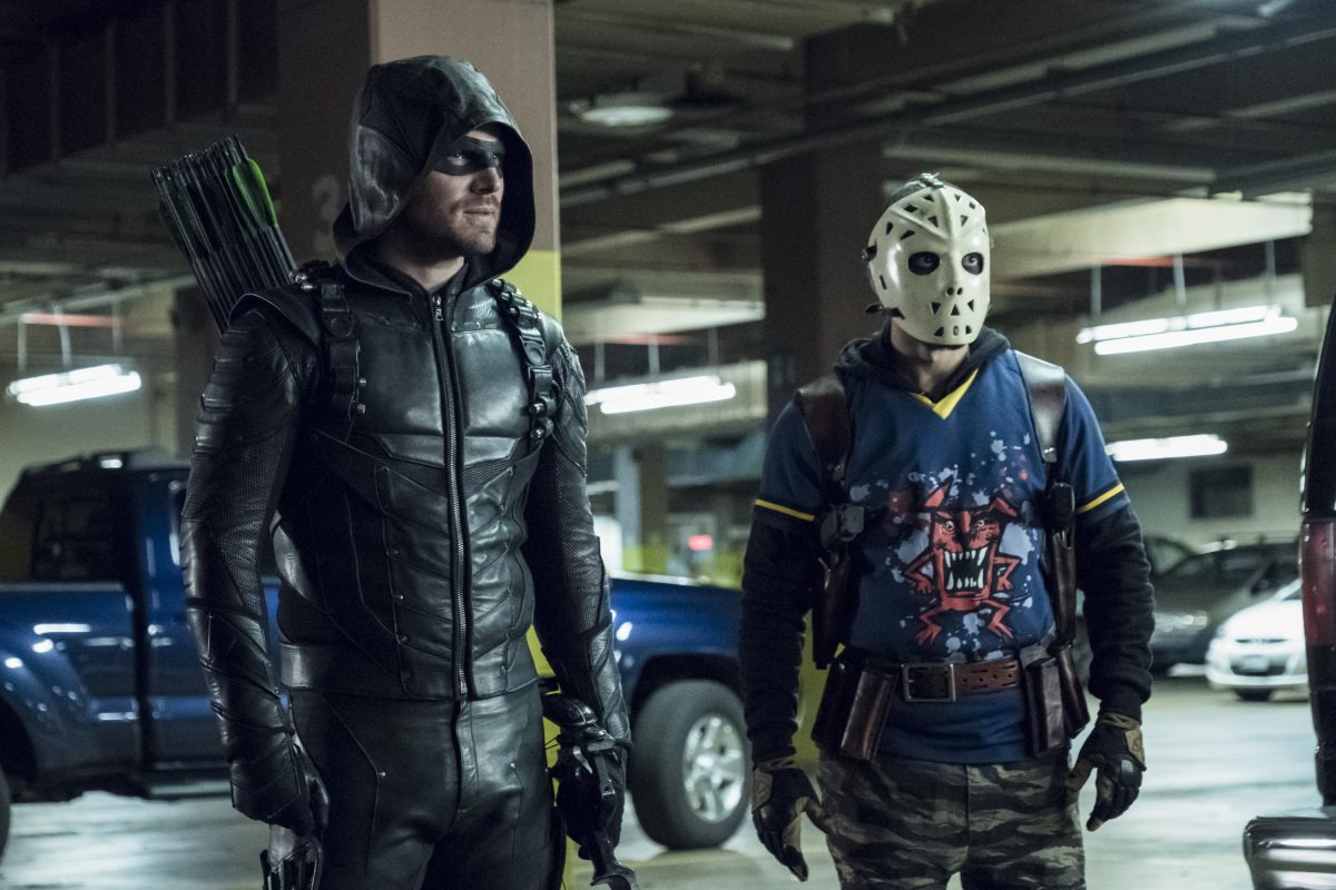 Worlds collide when Oliver takes his team to Russia TONIGHT on an encore episode of #Arrow at 8 at @ATLCW!