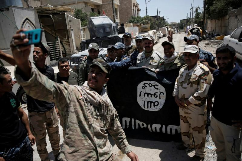 Iraq seeks international help to investigate Islamic State crimes https://t.co/H28TtWlnTS