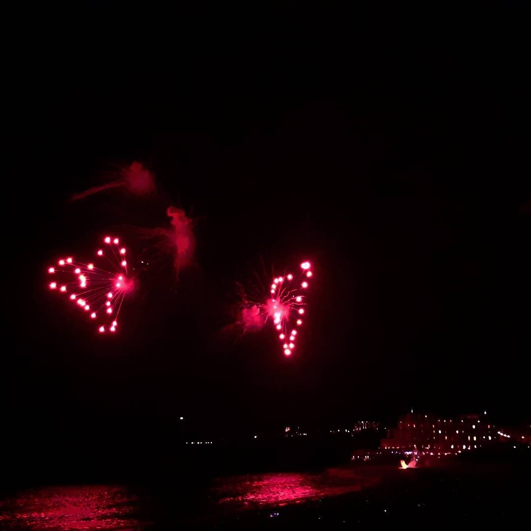 In love with my city  #15aout #biarritz #home #fireworks<br>http://pic.twitter.com/j9Vx96PilF