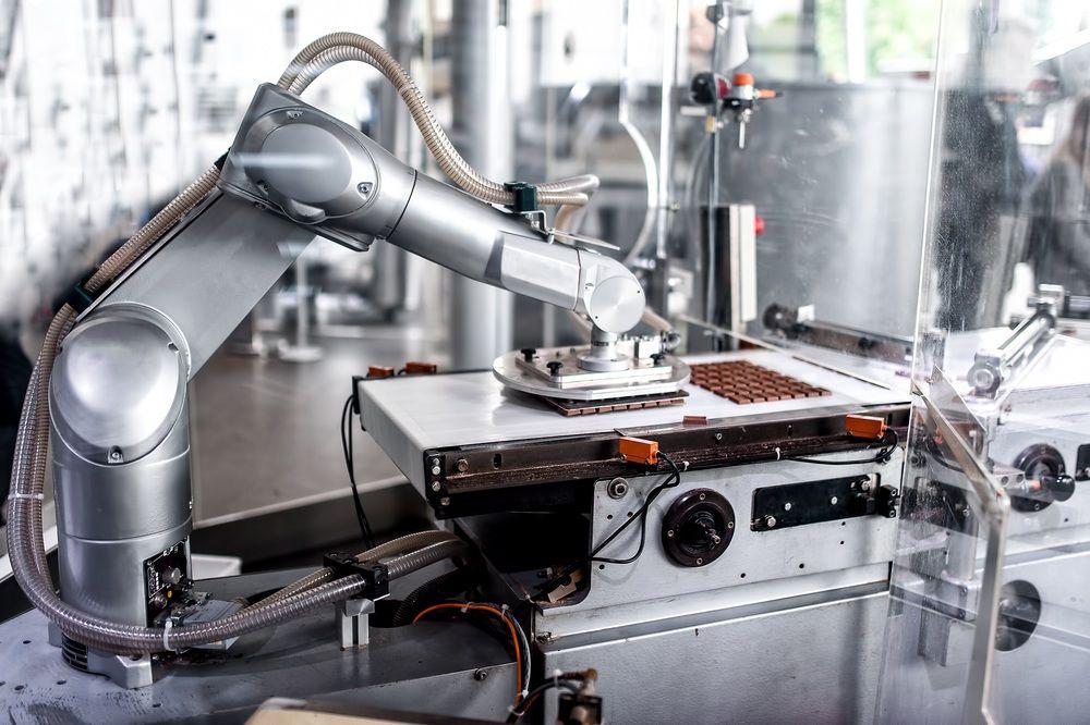 Top 6 robotic #applications in food manufacturing | #Robotics  https:// epoca.tech/2w8TMqb  &nbsp;  <br>http://pic.twitter.com/daNKzi8gck