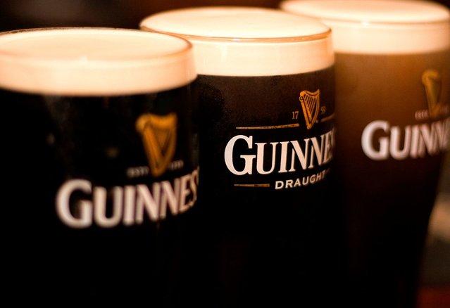#Dublin&#39;s #Guinness Storehouse Gravity Bar to Double in Size  http:// dy.si/wUrjM  &nbsp;  <br>http://pic.twitter.com/hyTx9Pslt8