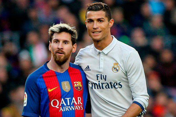 Em solidariedade ao suspenso Cristiano Ronaldo, Messi também não entrou em campo. #Respect