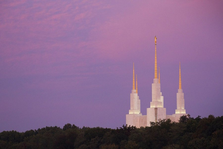 Public will be allowed to visit @LDSchurch Mormon temple near D.C. for the first time in more than 40 years  https://t.co/tQv9godR3f