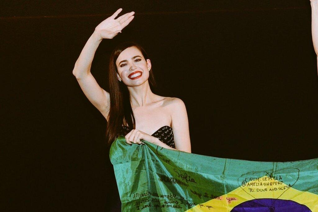 Brasil, obrigada.....eu te AMO MUITOOOO!...