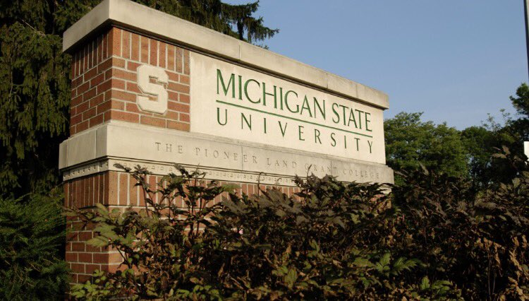 Very excited to announce that I have committed to play field hockey at Michigan State University!  #GoGreen <br>http://pic.twitter.com/eR3gzmRhjr