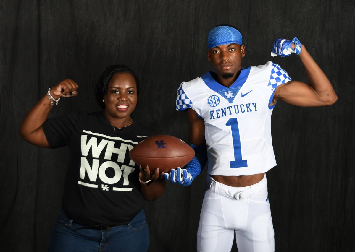 JUST IN! Coveted 2018 CB Stanley Garner commits to #UK, and breaks it down w/ @scoutrecruiting. Big get for #BBN --&gt;  http:// scout.com/college/footba ll/recruiting/Article/Highly-Touted-2018-CB-Stanley-Garner-Is-the-Latest-Florida-Nativ-106221759 &nbsp; … <br>http://pic.twitter.com/QSAqajyDP2