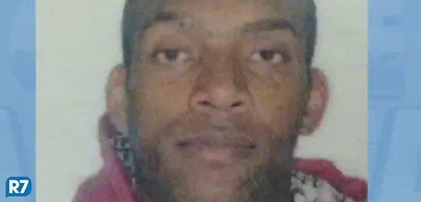 Justiça mantém preso homem que esfaqueou jovem no metrô https://t.co/7Ks6WuSOpR