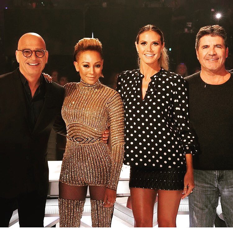 Love these guys ❤️@howiemandel @officialmelb @simoncowell https://t.co/9vi5Xb00oP