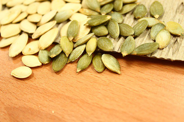 #pumpkinseeds #pepitas actually help parasites starve and die off within your intestinal tract  https:// cynthiamoon.com/pumpkin-seeds- a-k-a-pepitas/ &nbsp; … <br>http://pic.twitter.com/YaqQCmngCs