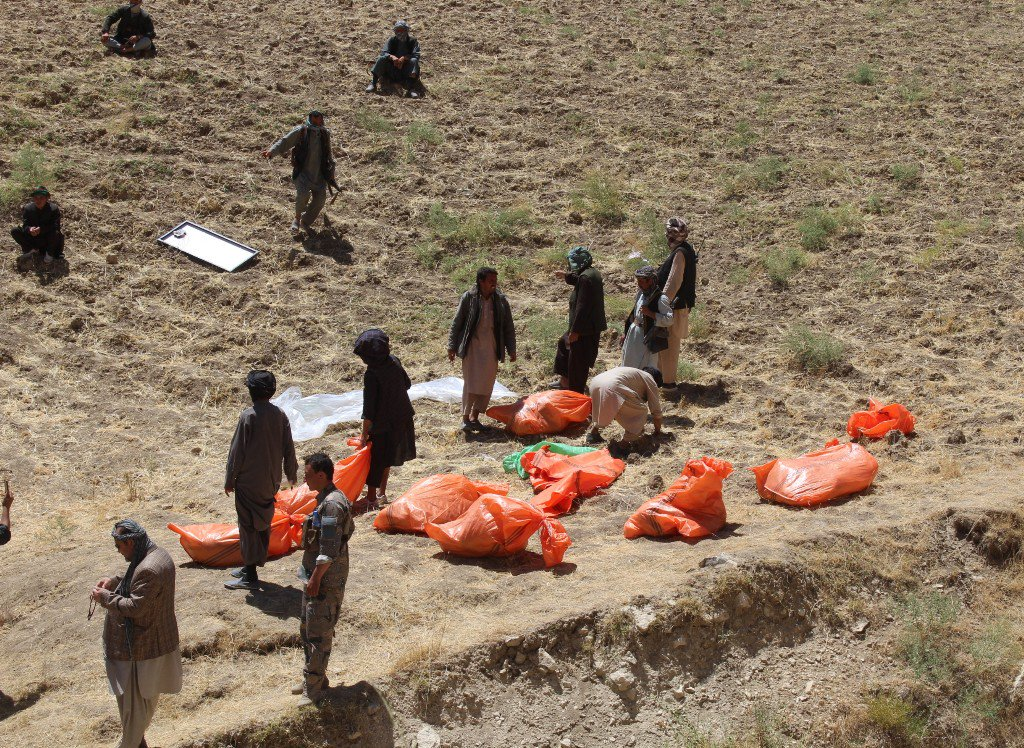 Mass grave in northern Afghanistan exposes Islamic State's brutality against civilians https://t.co/NS00QRuvrF