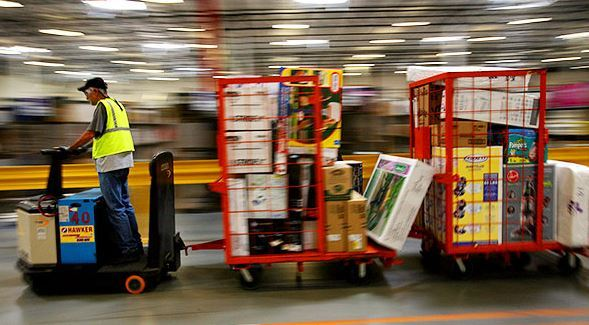 Inside the #Warehouse: #Howto Cultivate a #Safe #WorkEnvironment  https:// lineshjose.com/blog/inside-wa rehouse-cultivate-safe-work-environment/ &nbsp; …  <br>http://pic.twitter.com/DXq38M1gsO