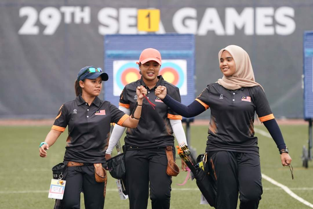 Archery - Women's Team Compound Gold Medal Match: #MAS 253-252 #VIE <br>http://pic.twitter.com/KU3Vg8a7Mn