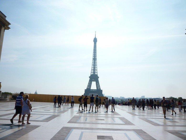 Tourism boom to the French capital; highest levels since 2008 #Paris #tourism #vacances #toureiffel<br>http://pic.twitter.com/crj0PoLT1A