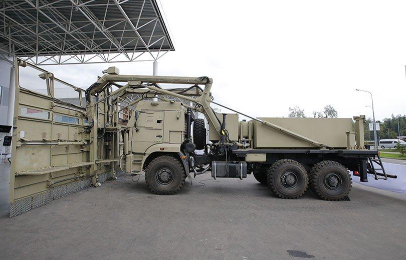 العربه  Shield لمكافحة الشغب  DH_X5-vXgAAfpUC