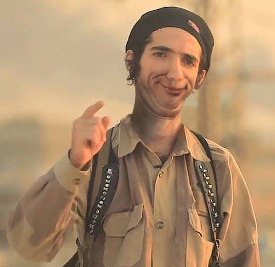Los memes de Tomasa y su hijo yihadista copan las redes DH_mPSFWsAAILiW