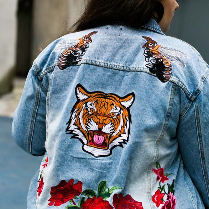 Tu craques ou tu craques?  Shoppe la veste:  http:// bit.ly/2uSVxnd      : @miyabiv  #fbloggers #curvebloggers #embroidery #ootd pic.twitter.com/A2S2HQJb8V