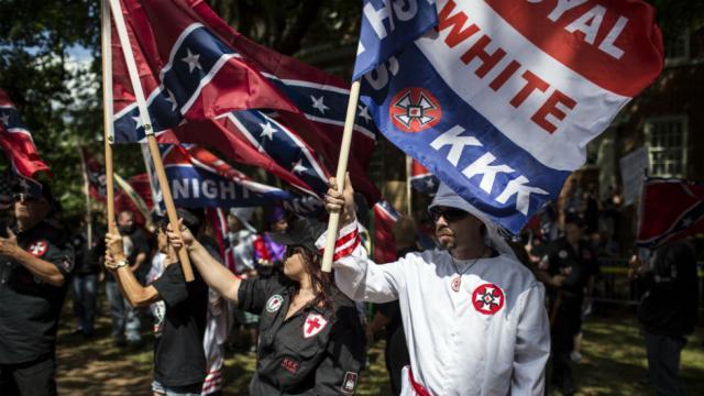 Facebook, Twitter shut down accounts of top white supremacists website https://t.co/5Qx0iblccR https://t.co/xeg11Te5qM