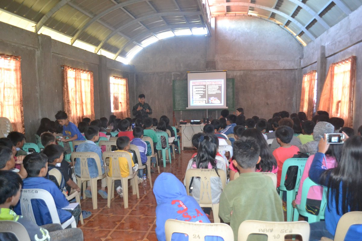 #lecture @PNPBenguet @PRO_Cordillera  Lecture with the pupils of Bangao ES re illegal recruitment of minors by CNN<br>http://pic.twitter.com/Iy9thss7i5