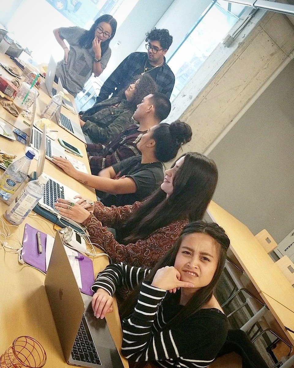 #Find #people who #challenge &amp; #inspire you, #spend a lot of #time with them, and it will #change your #life   #OaklandDigital + #BRIDGEGOOD <br>http://pic.twitter.com/kF6OcnUTV8 &ndash; bij Google Embarcadero