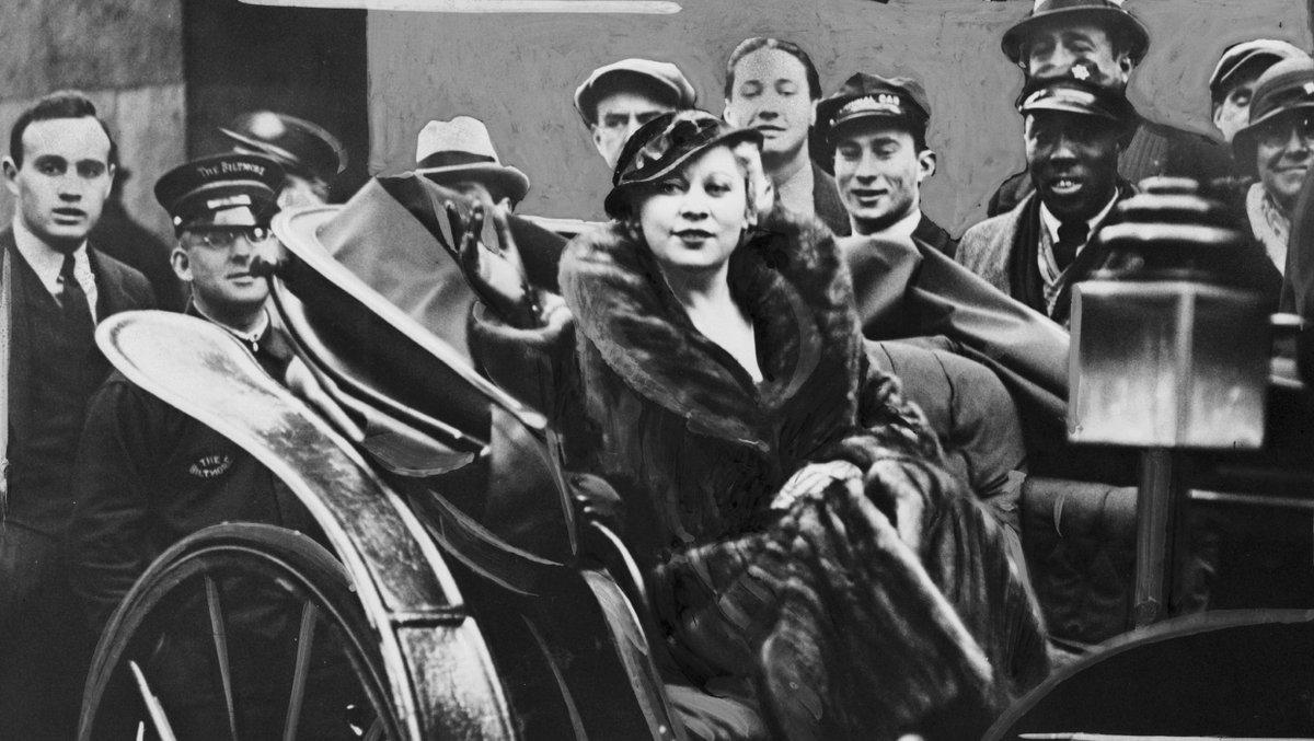 Mae West nacía #UndíacomoHoy (1893). ¿Cuántas de sus lapidarias frases...
