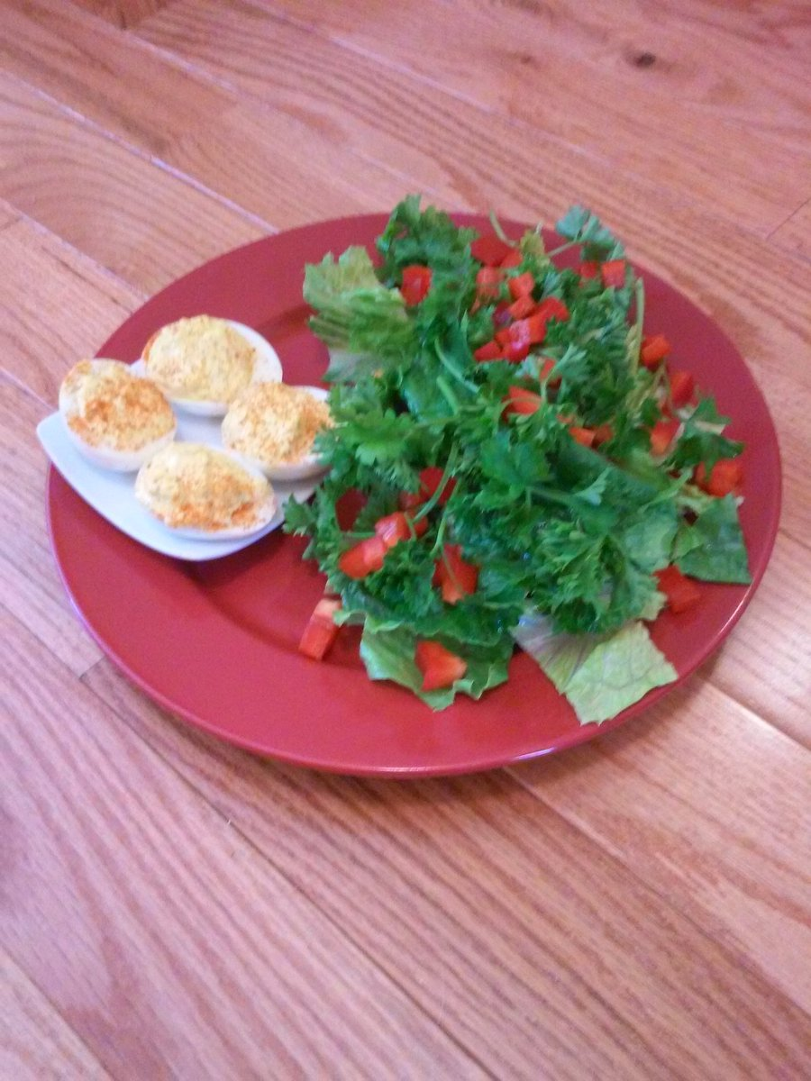 http://www. tinyplatetinywaist.com  &nbsp;    Want to learn how to #cook &amp; #prep #salads?  #foodie<br>http://pic.twitter.com/cNgwI2GLhc