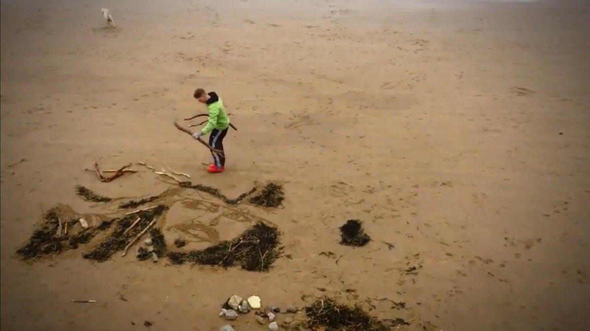 The time I made a huge #CaptainJackSparrow #JohnnyDepp artwork in the sand on Barry Island beach... #PiratesoftheCaribbean <br>http://pic.twitter.com/0nPsbshYTe