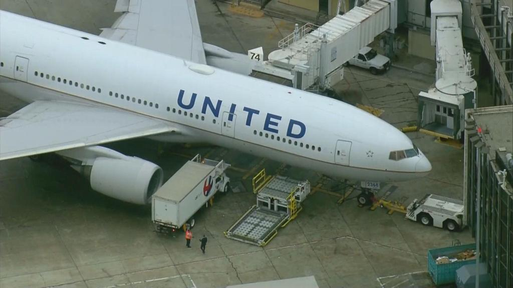 Teen allegedly groped on United flight: 'He took my peace of mind' https://t.co/m5BIAWtaw1
