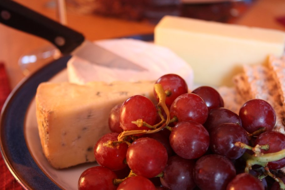 No meal is complete without a #cheeseboard - #WensleydaleBlue, #RibblesdaleGoats and, of course, #OatCrackers.  http:// ow.ly/aWDs30es6Vq  &nbsp;  <br>http://pic.twitter.com/bwxAUJQIHn