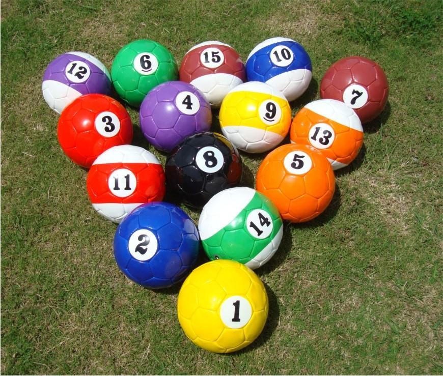 Afbeeldingsresultaat voor voetbal poolen ballen