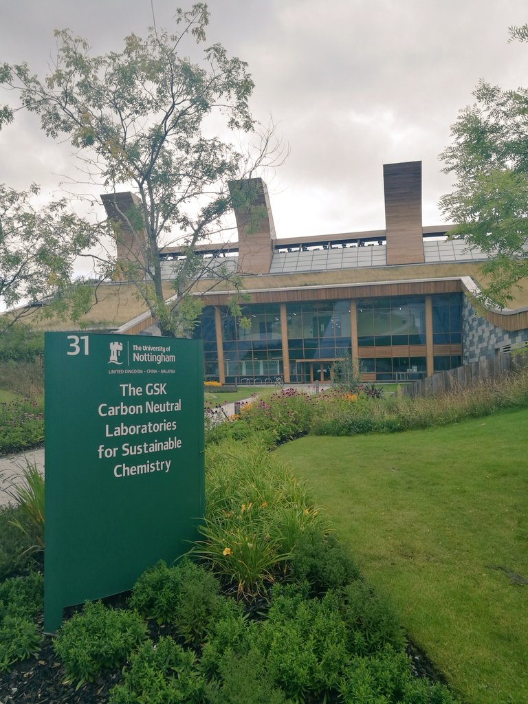 I&#39;m not a #scientist but if I was I&#39;d want to work here!  @UniofNottingham @UoNSustain @UonChem<br>http://pic.twitter.com/XTznVG6yzA