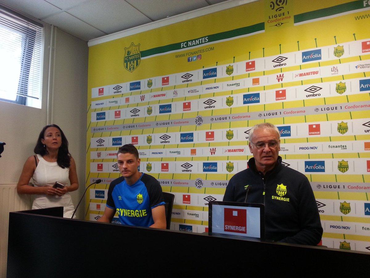 Girotto en conference de presse. #FCN <br>http://pic.twitter.com/smb0hspgCd