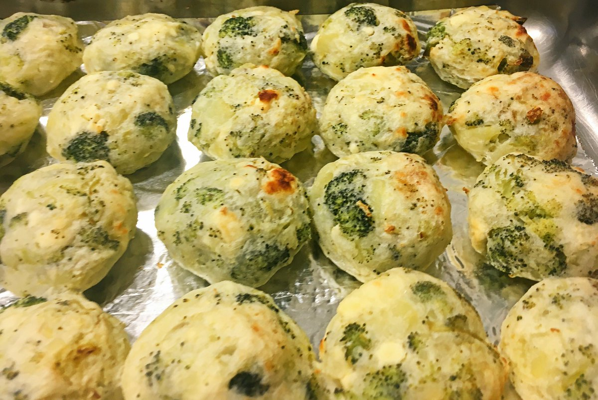 Vegetarian balls with potatoes,cheese and broccoli #recipe #thursdaykitchen #kitchen #food #cooking #baking #homecooking #RecipeOfTheDay<br>http://pic.twitter.com/hwmdJP8j0x