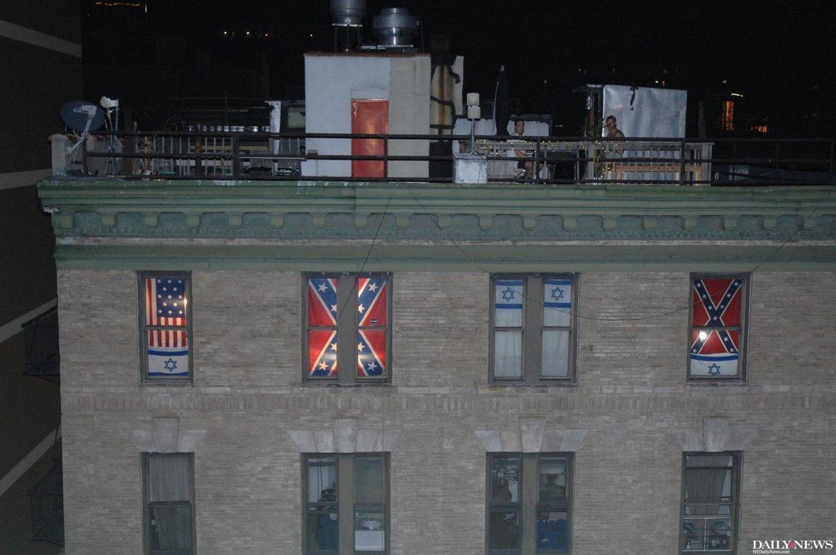 SEE IT: Confederate flag in East Village apartment window enrages neighbors https://t.co/rX7ao9GshR