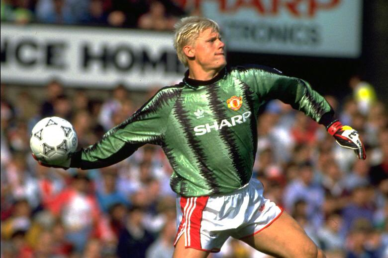 Today is 26 years since I signed for @ManUtd and made the move of my dreams a reality.