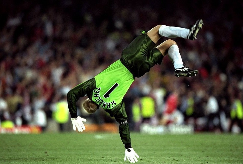 #OnThisDay in 1991, Peter Schmeichel made his Manchester United debut....