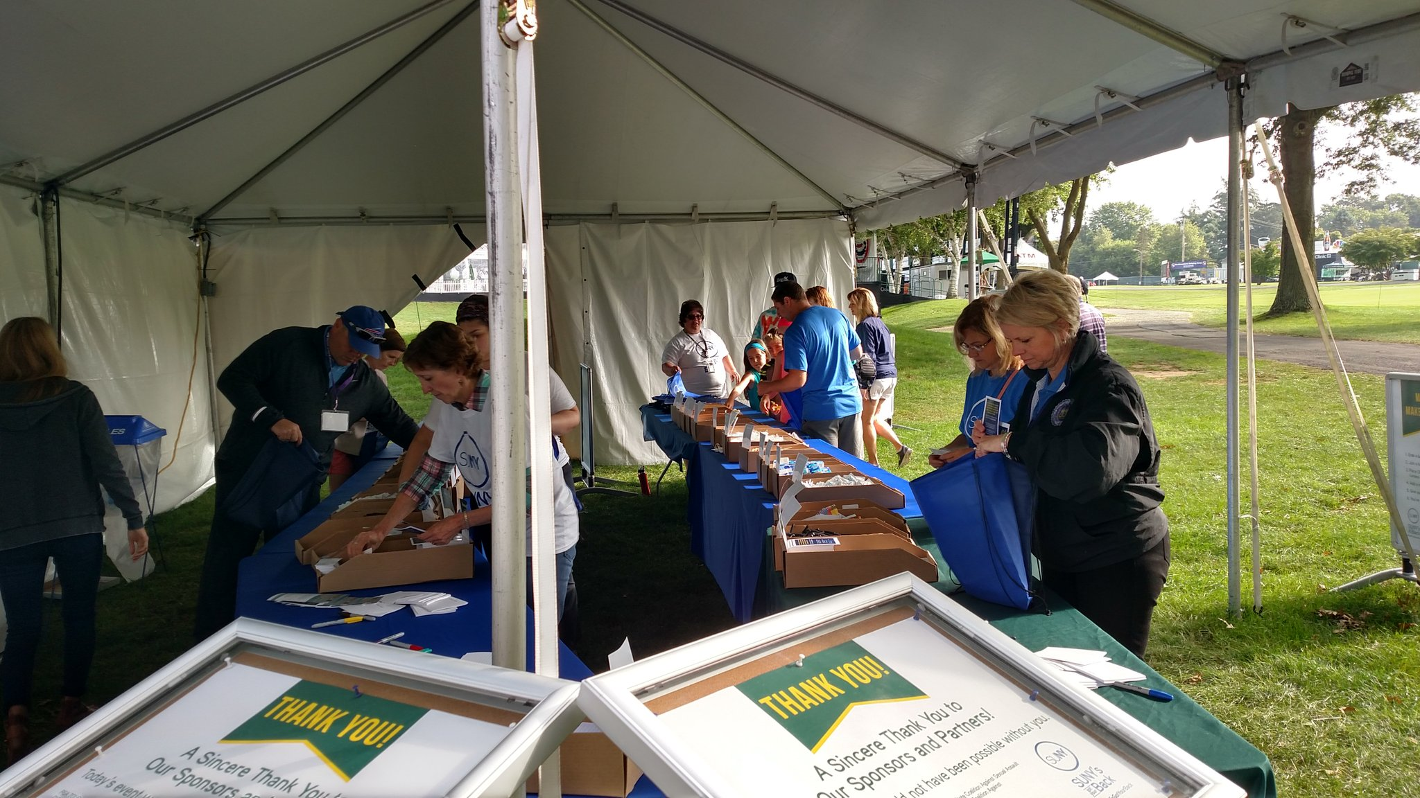 Volunteers hard at work at the #SUNYsgotyourback tent! https://t.co/Hj6yD1SRyL