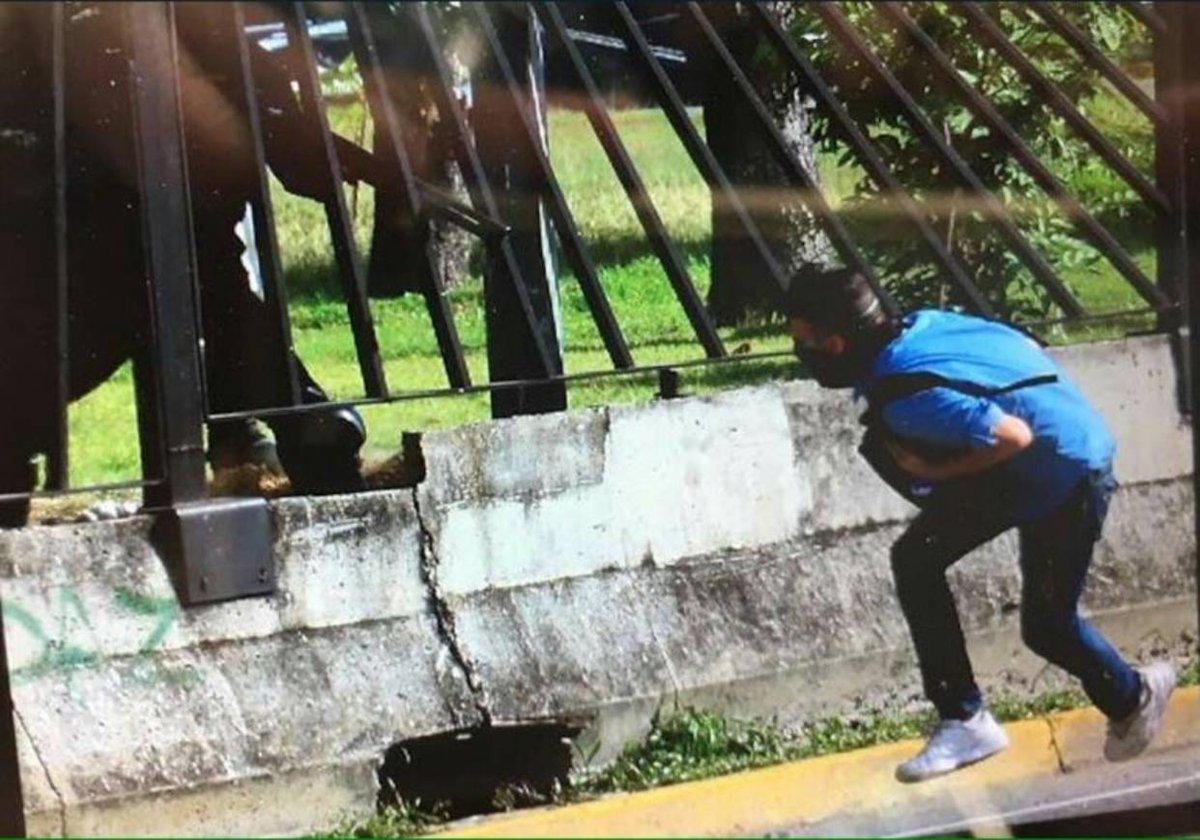 [EXCLUSIVA] Aún no ha sido detenido el militar que mató a David Vallenilla https://t.co/s4DZYV2UfP
