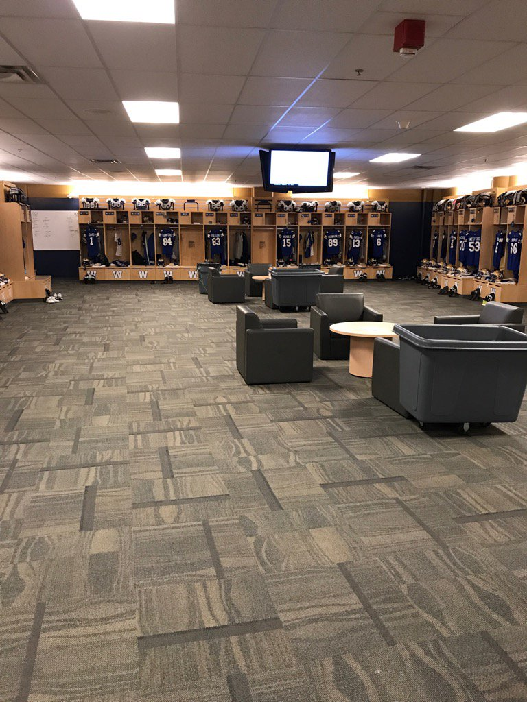 #Bombers locker room all quiet right now. Kickoff is under six hours....