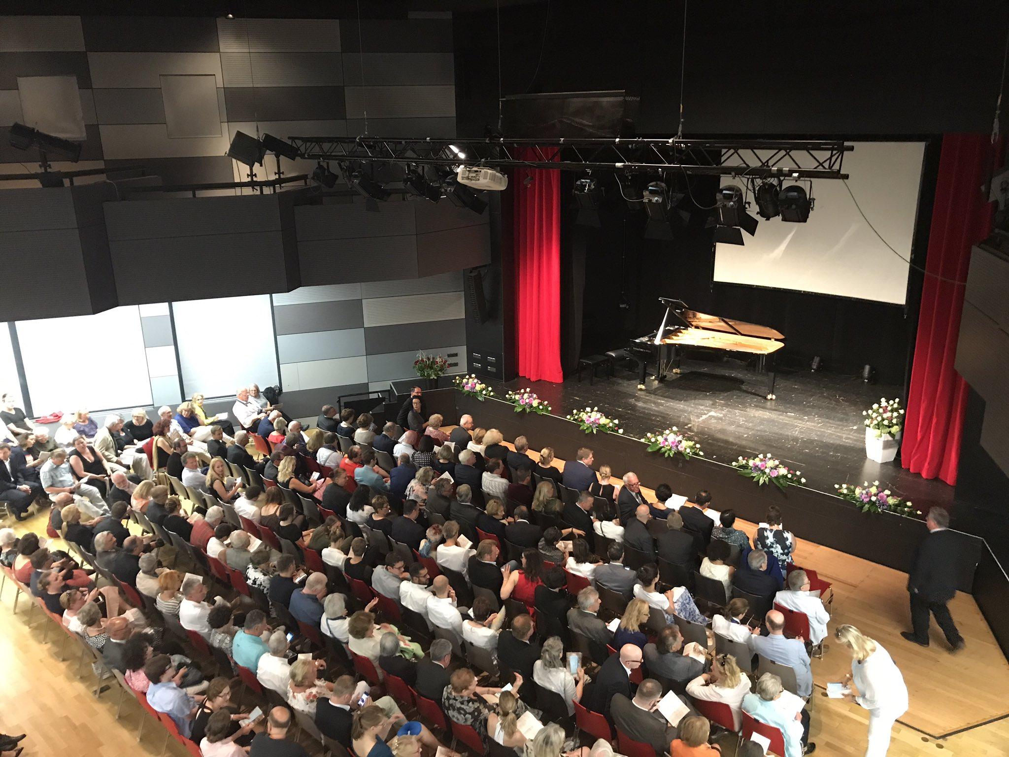 Beim Konzert treffen Vertreterinnen und Vertreter der stiftenden Richard-Wagner-Verbände auf die jungen Talente des #BFstipendium-Programms. https://t.co/048r6IzQ0R