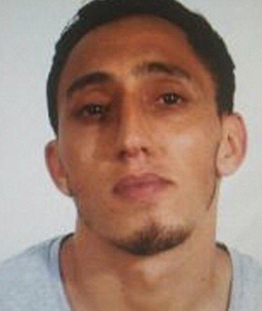 Terroristen Driss Oukabir  #svpol #migpol #Barcelona<br>http://pic.twitter.com/m2cwRiekc4