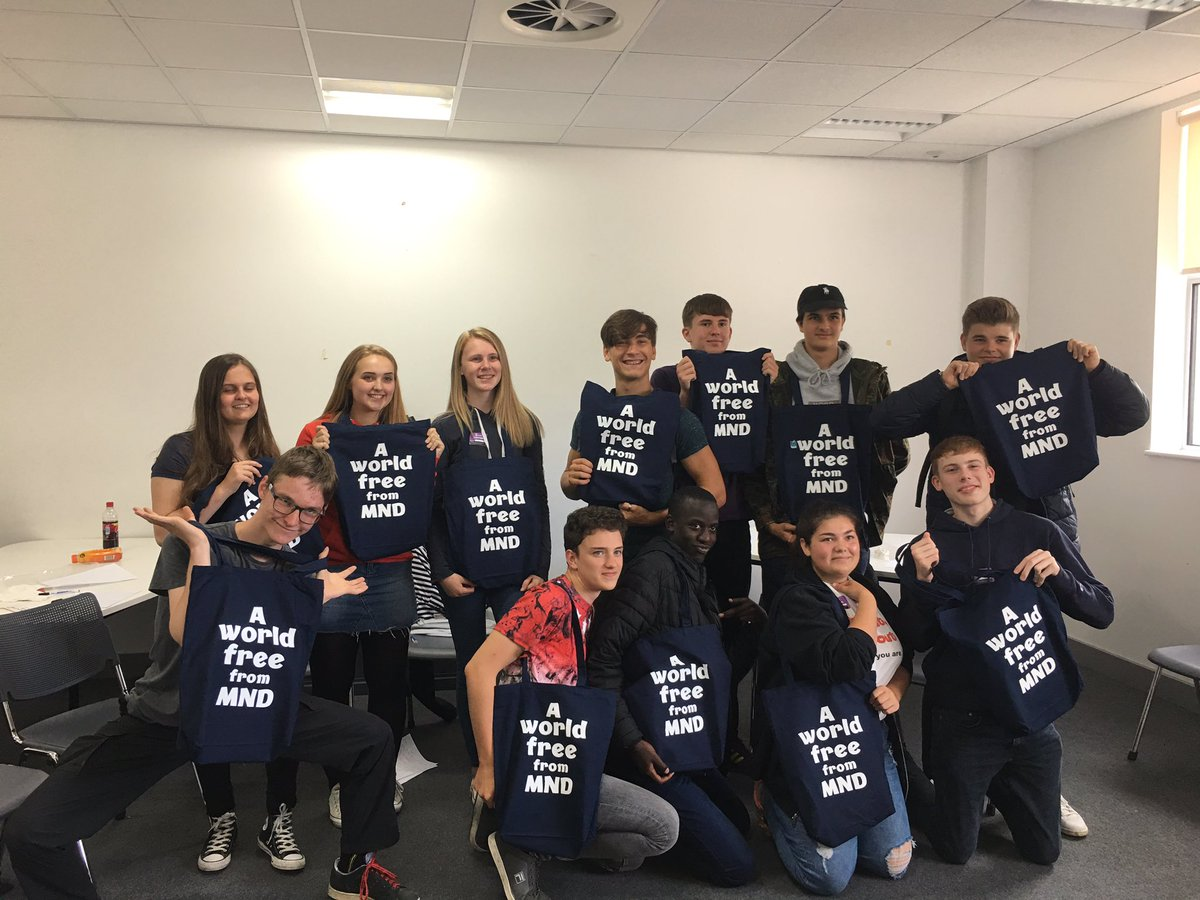 #NCS Huddersfield looking forward to hearing #championthecharter pitches tomorrow with a great bunch of national citizens @mndcampaigns<br>http://pic.twitter.com/PUIpPCZzai